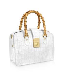 weisse Handtasche mit goldenem Griff